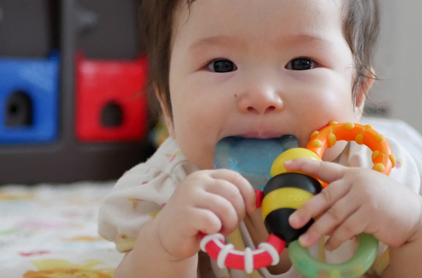 ダスキンのアルコールは食品添加物が主成分なので、赤ちゃんや乳幼児のおもちゃにも使えます。