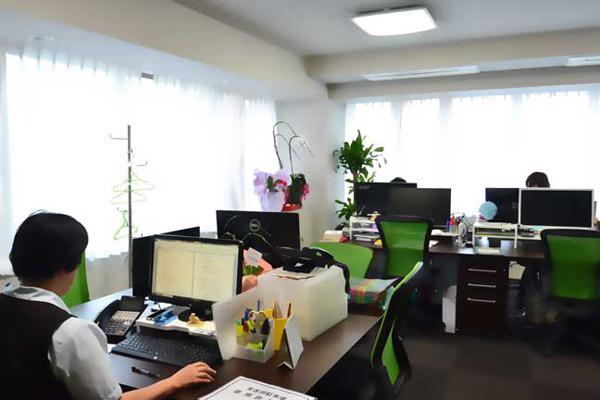 20人規模の会議室はクリア空間中型でウイルス抑制